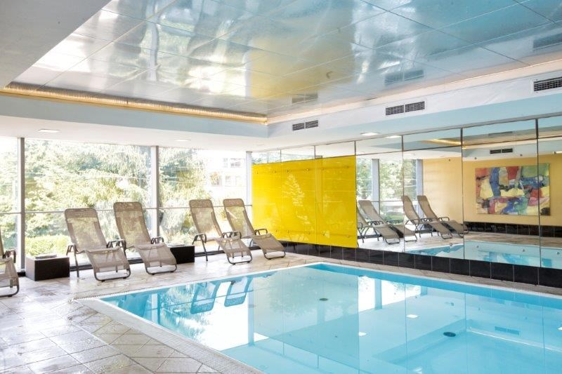 Hotel: Wellnessbereich - Indoor Pool - Wyndham Grand Salzburg Conference Centre